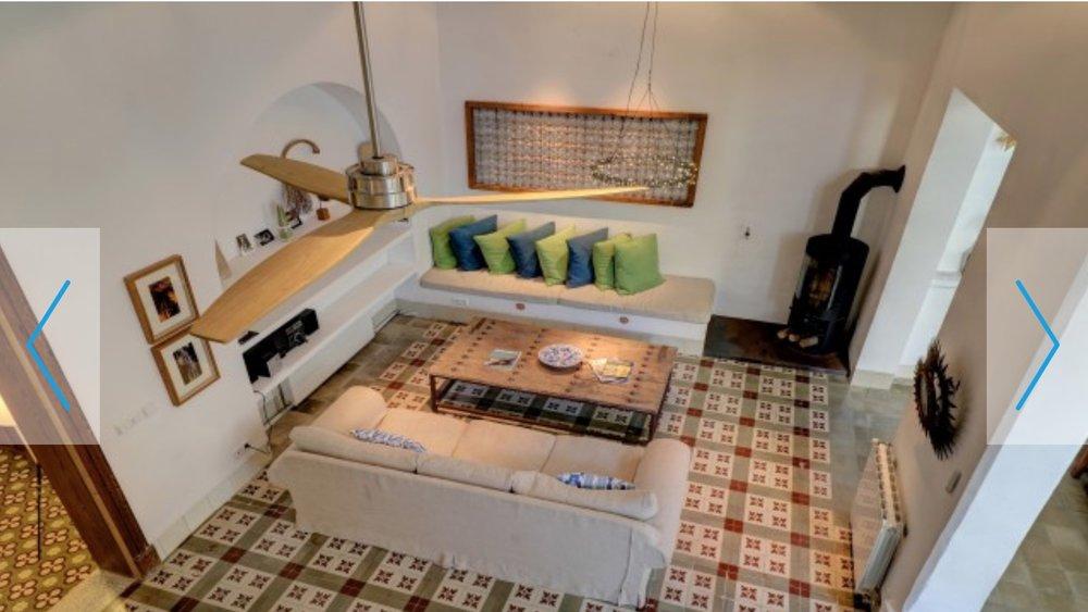 Mallorca_villa_livingroom.jpg