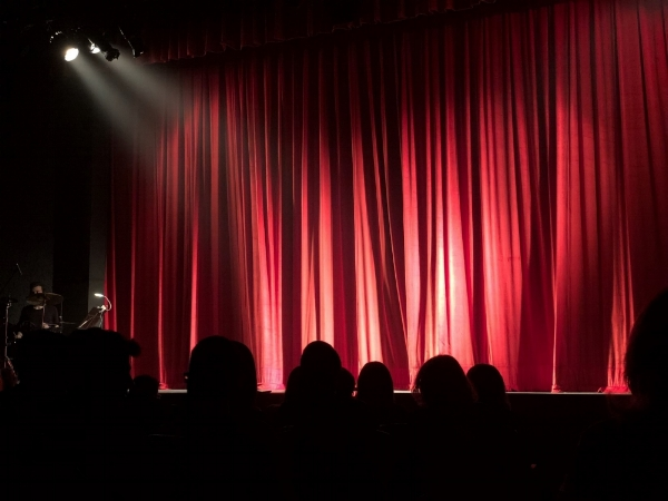 audience curtain.jpg
