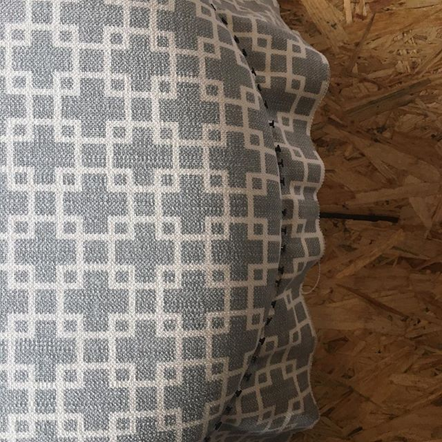 I've been testing out a new range for the footstool workshop - what do you think? Say hello to Cubis by @romo_fabrics . I still have a handful of places left in June and July before we take a workshop break until later this year. Interested? Link in bio 👆🏻