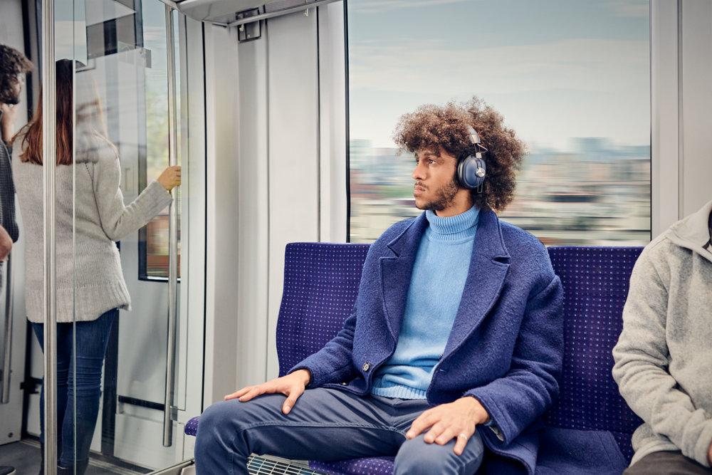 PAPEU_Headphones'18_Lifestlye_Img_RP-HTX90N_Final0011.jpg