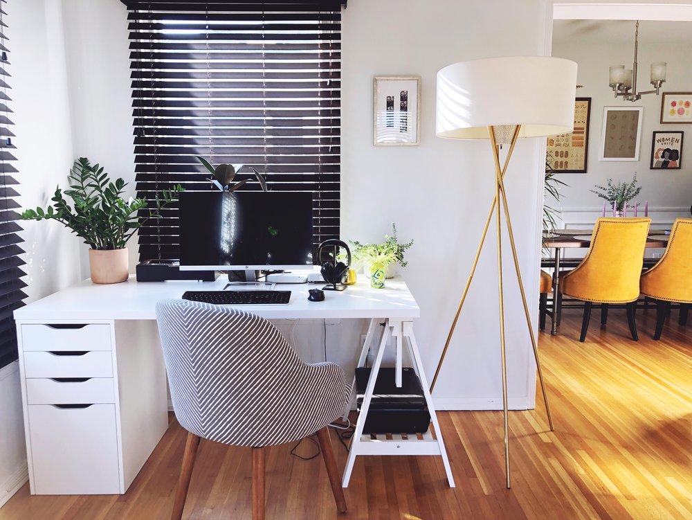 livingroomdesk.JPG