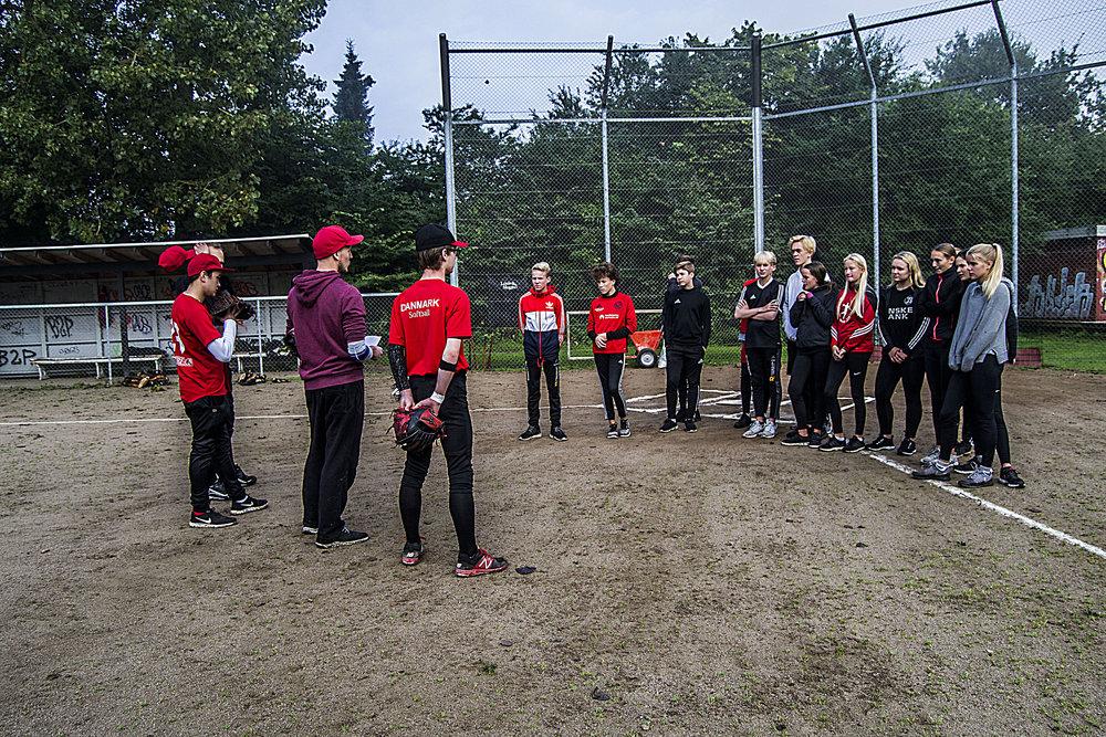 Århus Baseball Softball Klub - skæring skole