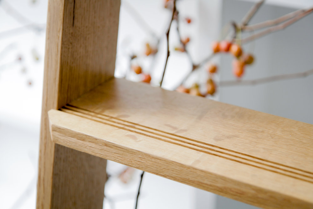 Quartersawn white oak library ladder, detail