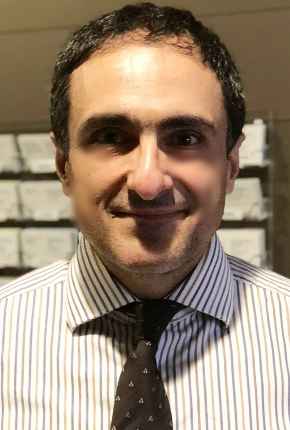 Dr. Babis Andreadis - • Oncologist: Specializing in blood cancers like lymphoma, leukemia, and multiple myeloma• Experience: 20 years• Hospital/clinic size: Large teaching institution