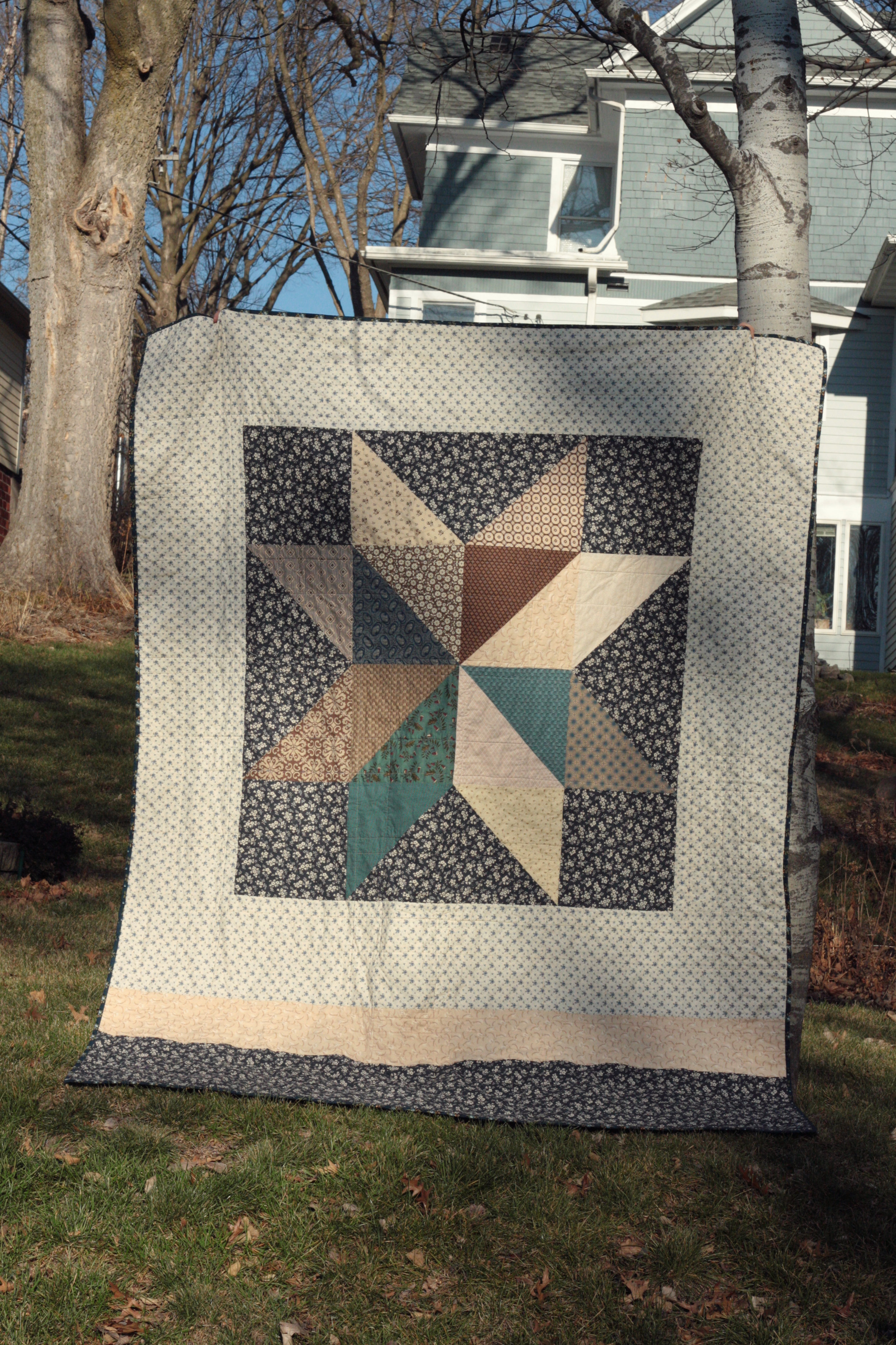12-12 bear paw quilt back