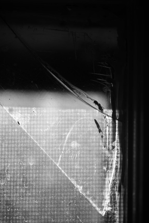 broken_window_light_dark.jpg
