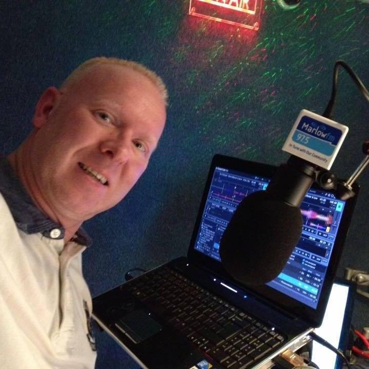 "<div align=""center""><p><strong>Kev Kinch</strong>Presenter<a href=mailto:kev.kinch@marlowfm.co.uk>Email →</a></p></div>"