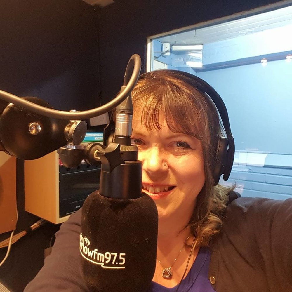 "<div align=""center""><p><strong>Sue Ing-Simmons</strong>Presenter<a href=mailto:sue.ing-simmons@marlowfm.co.uk>Email →</a></p></div>"
