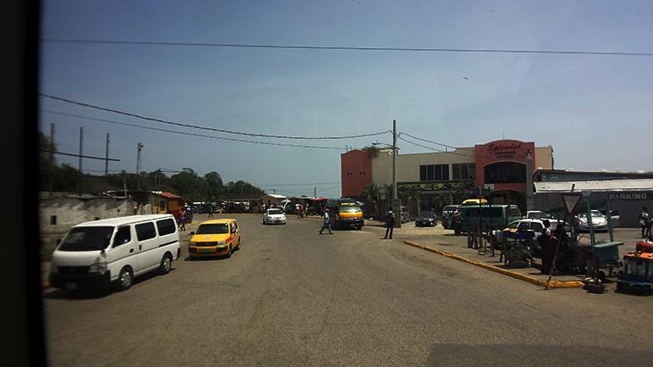 04_06_17-jamaic-cars.jpg