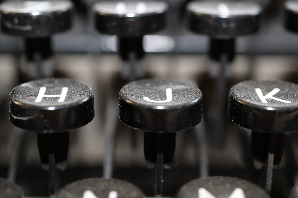 typewriter-3071919_960_720.jpg