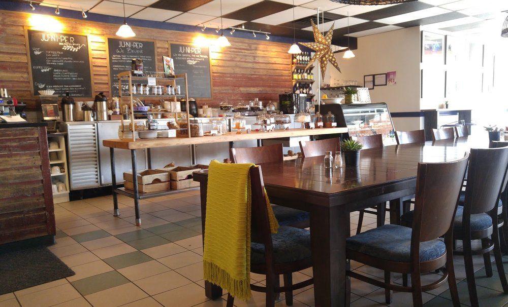 TOONIE THURSDAY    JUNIPER CAFE & BISTRO (9514 87 Street)   The second Thursday of the month is Community League Happy Hour at Juniper Cafe & Bistro. With your Strathearn membership card, enjoy a beer or glass of wine for a toonie from 4 PM to 6PM.