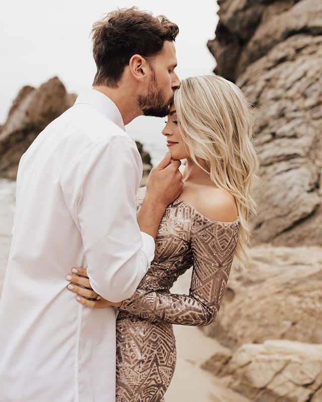 Do I even need a caption for this gorgeous couple? 😍 Holy shit! How are they so freakin gorgeous?!?! 😳🔥🔥🔥🔥 • • • #dirtybootsandmessyhair #belovedstories #authenticlovemag #justalittleloveinspo #muchlove_ig #oarsandbeanies #wildhairandhappyhearts #loveandwildhearts #wildloveadventures #photobugcommunity #weddingchicks #epicloveepiclife #elopementlove #wildelopements