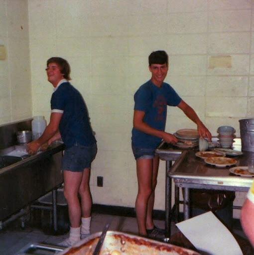 1975 Kitchen Crew