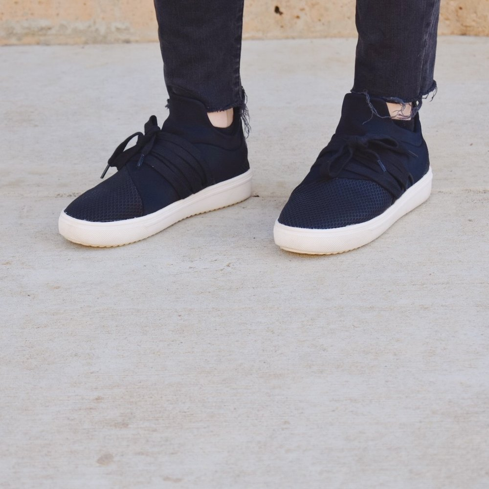 My new favorite sneakers are from Steve Madden. {They are sold at most department stores, but I also found them at the Steve Madden Outlet} They are different from most sneakers and of course go great with everything. Walking to class, I am either wearing my Adidas or these cuties!