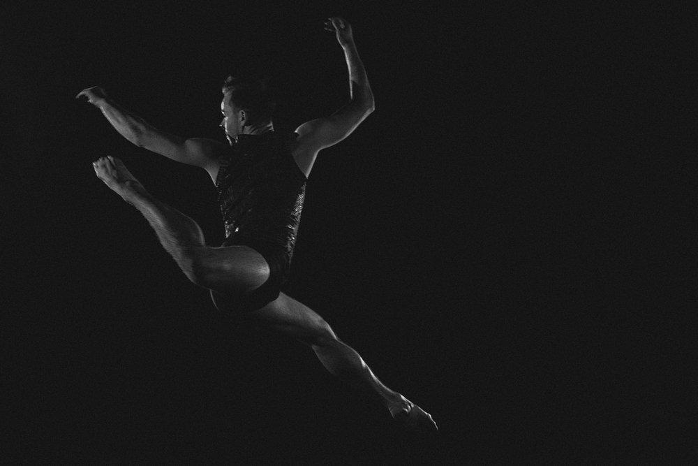 DART Társulat próbatáncot hírdet - HA SZERETNÉL EGY FIATALOS, KITŰNŐ ÉS ENERGIKUS TÁRSULATTAL EGYÜTT DOLGOZNI, KÜLD EL JELENTLEZÉSED A DARTTHEATER@GMAIL.COM-RA.A DART Társulat táncosokat keres egy éves szerződésre a 2019/2020-as évadra, ami 2019. szeptember 9-én kezdődik.Sokoldalú, kreatív, magabiztos improvizálásban, erős színpadi jelenléttel, akrobatika ismerettel és magas szintű klasszikus balett és kortárstánc technikával rendelkező tapasztalt táncművészeket keresünk.HOL: Uferstudios, Uferstrasse 8, 13357 BERLIN, NÉMETORSZÁGMIKOR: 2019. március 30. (szombat) 13:00 – 18:00JELENTKEZÉS: Küld el önéletrajzod, videóid és képeid a darttheater@gmail.com - ra.HATÁRIDŐ: 2019. MÁRCIUS 25.A próbatáncon csak visszahívás után vehetsz részt.További információ a DART-ról -Facebook – https://www.facebook.com/darttheater/Instagram – https://www.instagram.com/dart_dance_company/