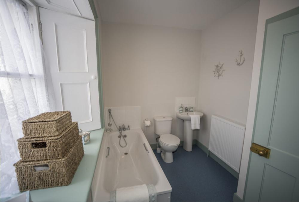 8 Bathroom.png
