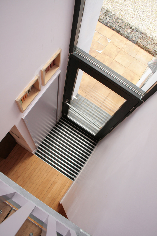Int_front door.jpg