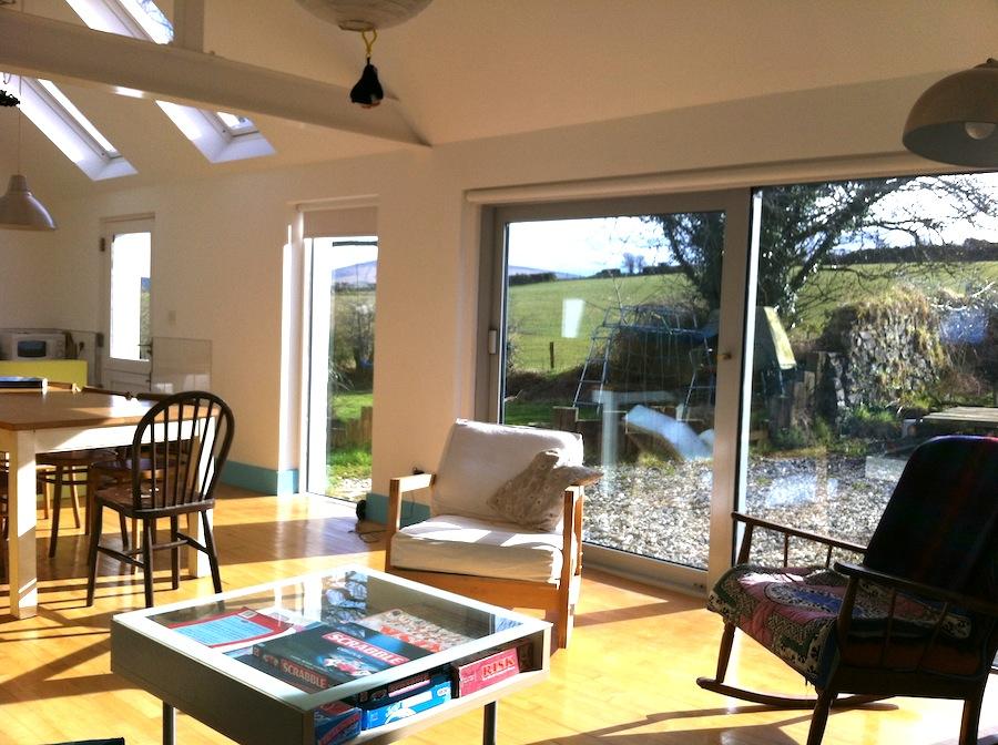 6 Living area.JPG