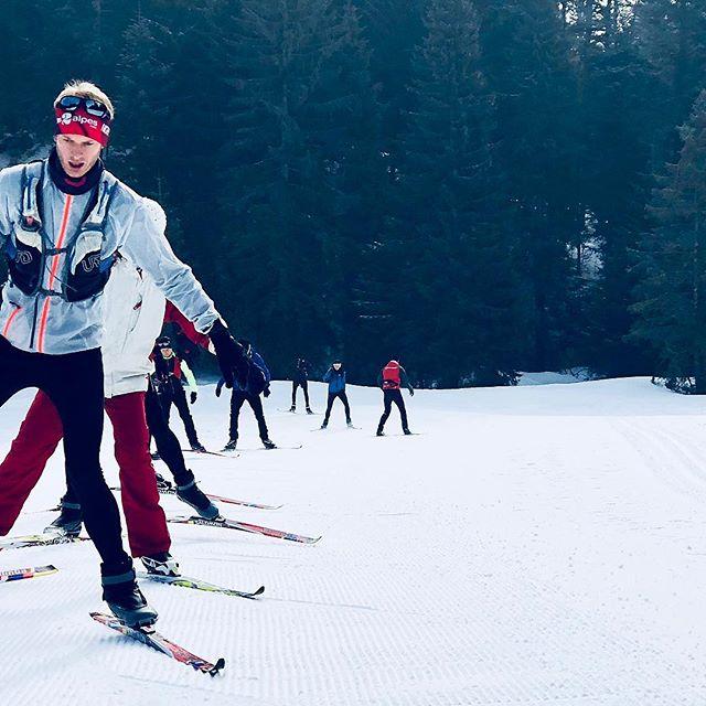 STAGE HIVER - Le stage d'hiver à Giron, JURA.Au programme : 3 jours de skating, trail blanc et raquettes !