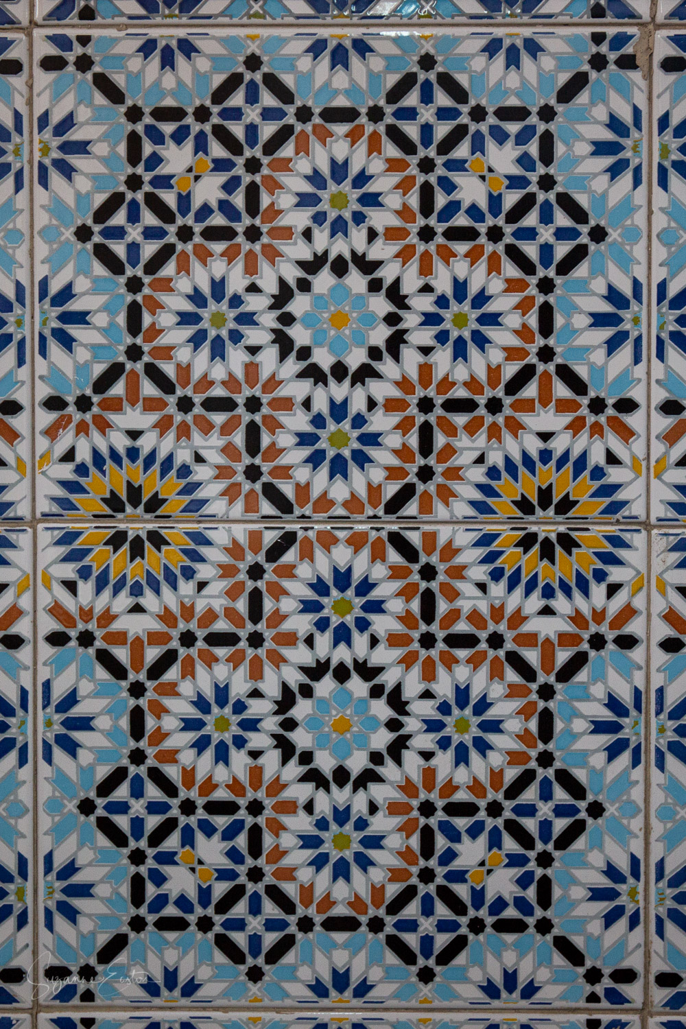 Tiles in Lazama Synagogue in Marrakech