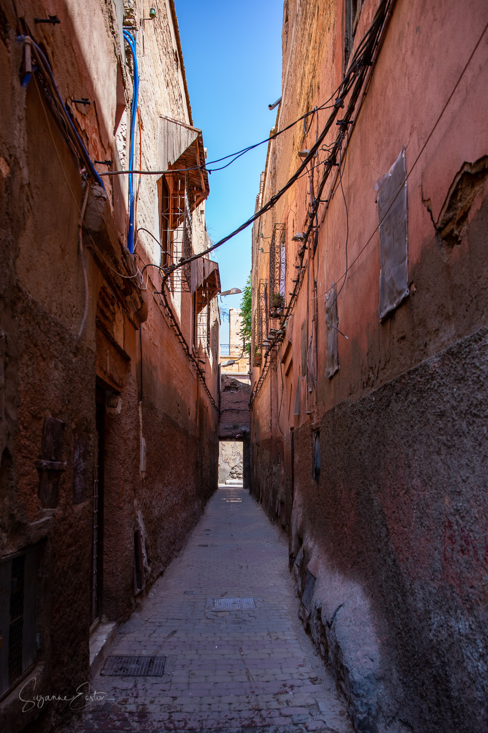 Darb Manchoura, the narrow street that is home to Lamaza Synagogue in Marrakech