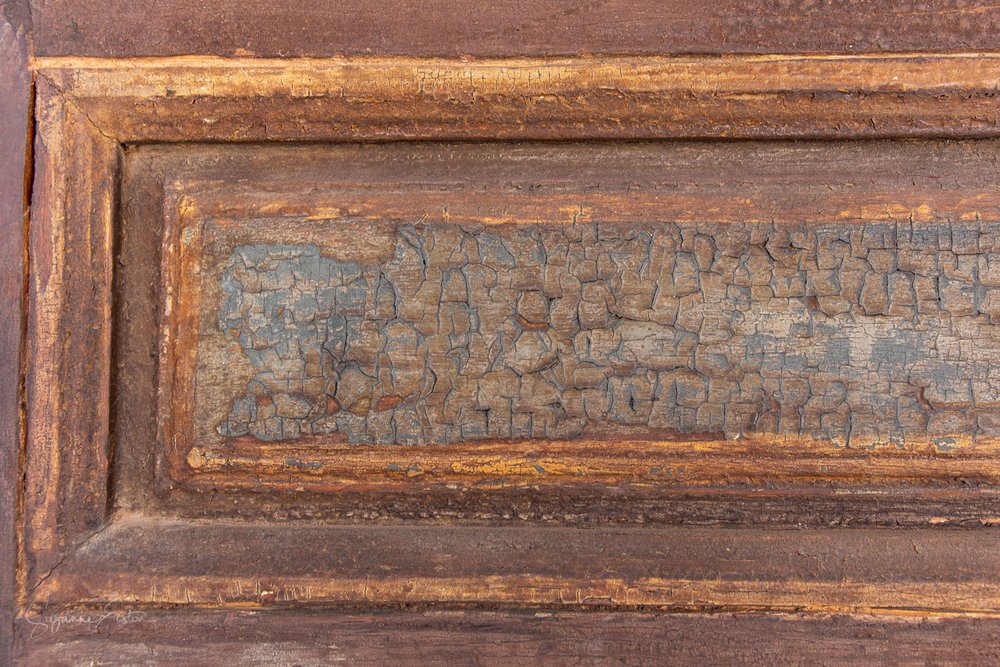 Distressed wood in Palais Bahia in Marrakech