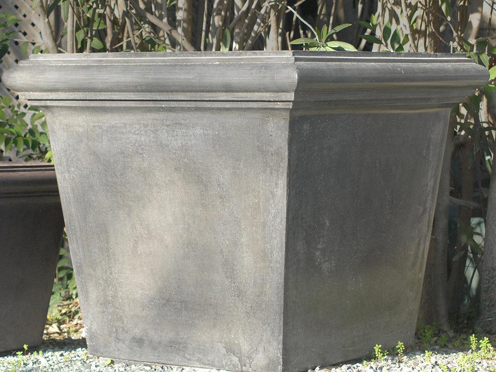 Box-Planter-Black-Large-done.jpg