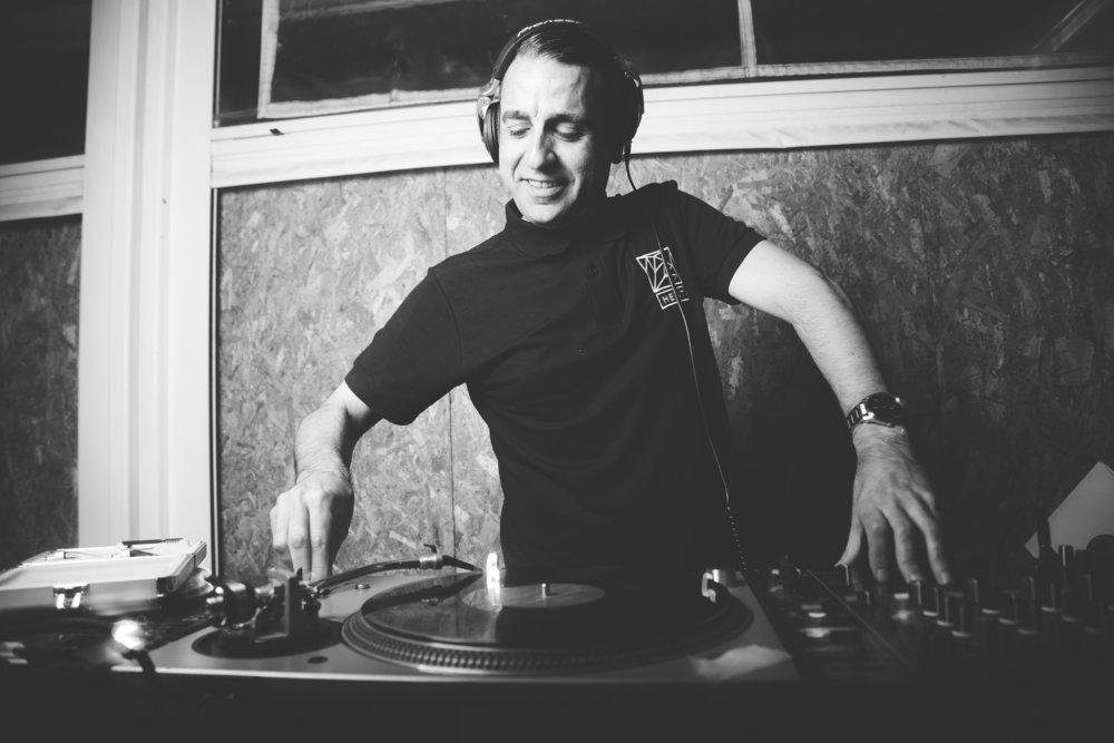 Nacho Marco - Uno de los DJs más respetados de la escena española, ha tocado en el Sonar más que10 veces, ha sido invitado a tocar en clubes como Fabric, The End, Egg (Londres), Sub Club (Glasgow), Scuba (Sheffield), Redlight, Café de L Arc, Wanderlust (París),Cocoon (Frankfurt), Prinzip (Munich), Asiento (San Francisco), Sonar Sound (Guadalajara Mx), Propaganda (Moscú), Jakkata (San Petersburgo), Ku De Ta (Bali),Adjara (Georgia), Coliseo (Macedonia), Fila, The Loft, Moog (Barcelona),Deep, Goya Social Club, Danzoo, Goa (Madrid), Pacha, Space (Ibiza) y muchosMás. Fue DJ residente en Le Club, Wandu, Excuse Me,Sens (Valencia) y Danzoo (Madrid).