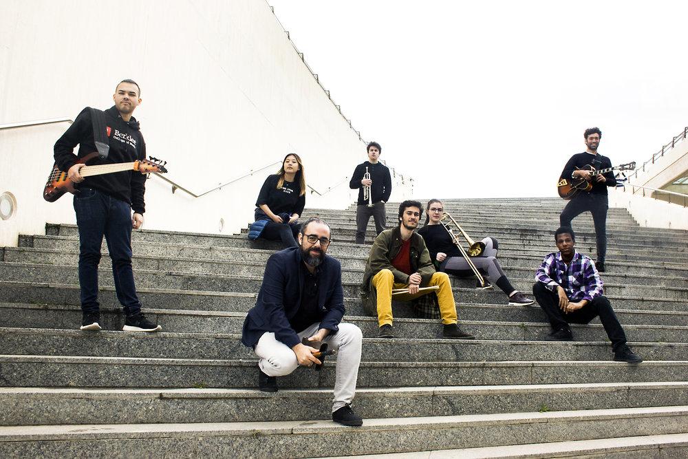 LJ COLLECTIVE  Combinación de jazz contemporáneo y soul-pop con influencias latinas, sabores de Brasil, Cuba, Estados Unidos y España.