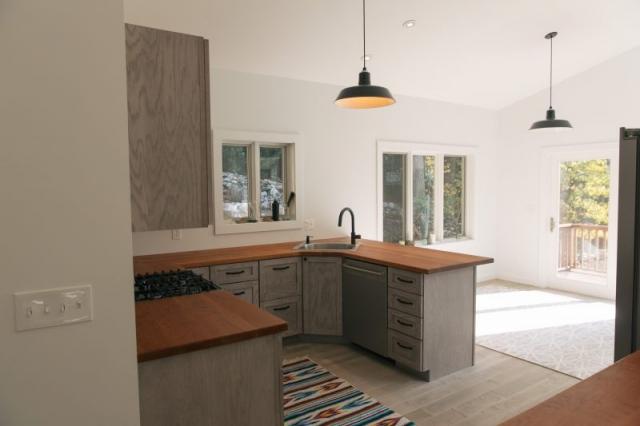 hurley retreat kitchen