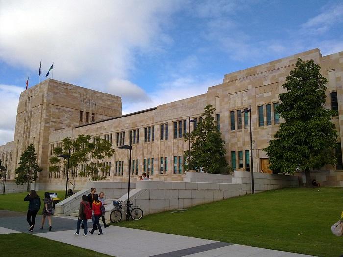 UniversityQueensland_Brisbane_Australia.jpg