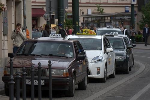poland_krakow_taxis.jpg