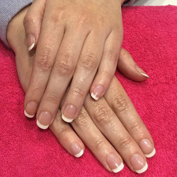 french manicure -