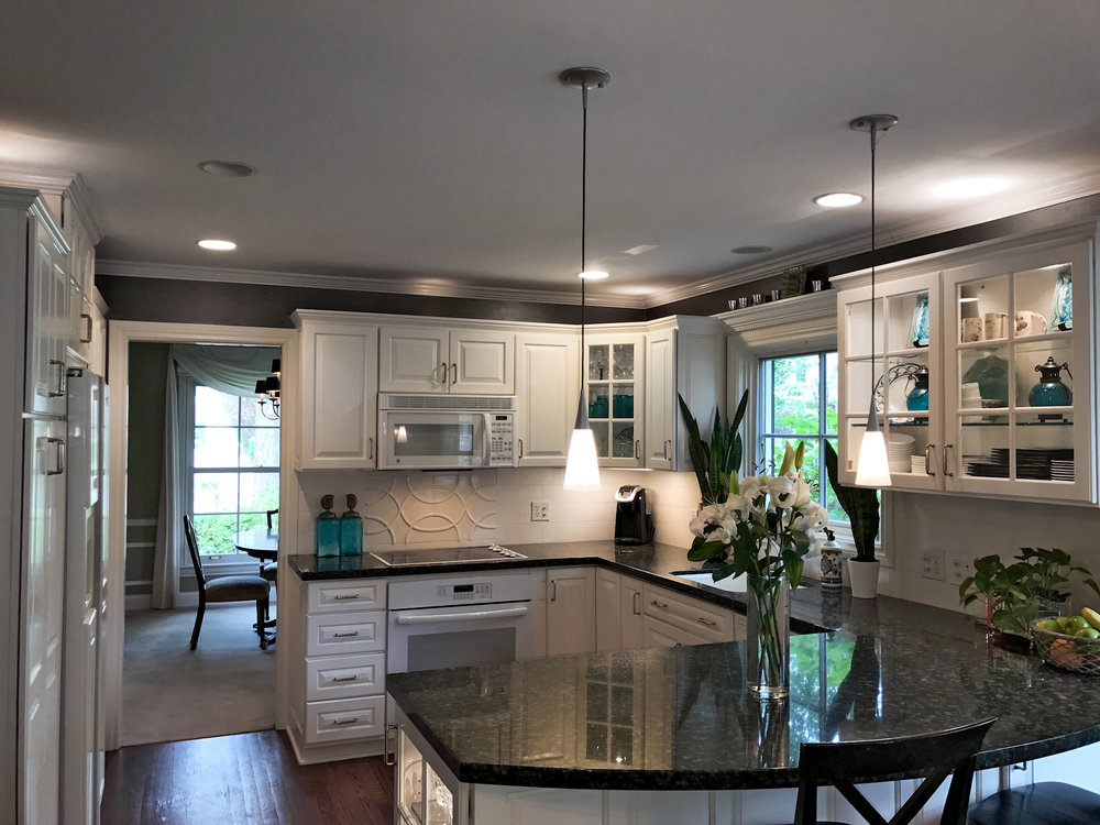Birmingham HomeRenovation - Total renovation of mid-Century home including kitchen, bathrooms, new millwork, lighting, furniture and finishes. (2,600 sq. ft.)