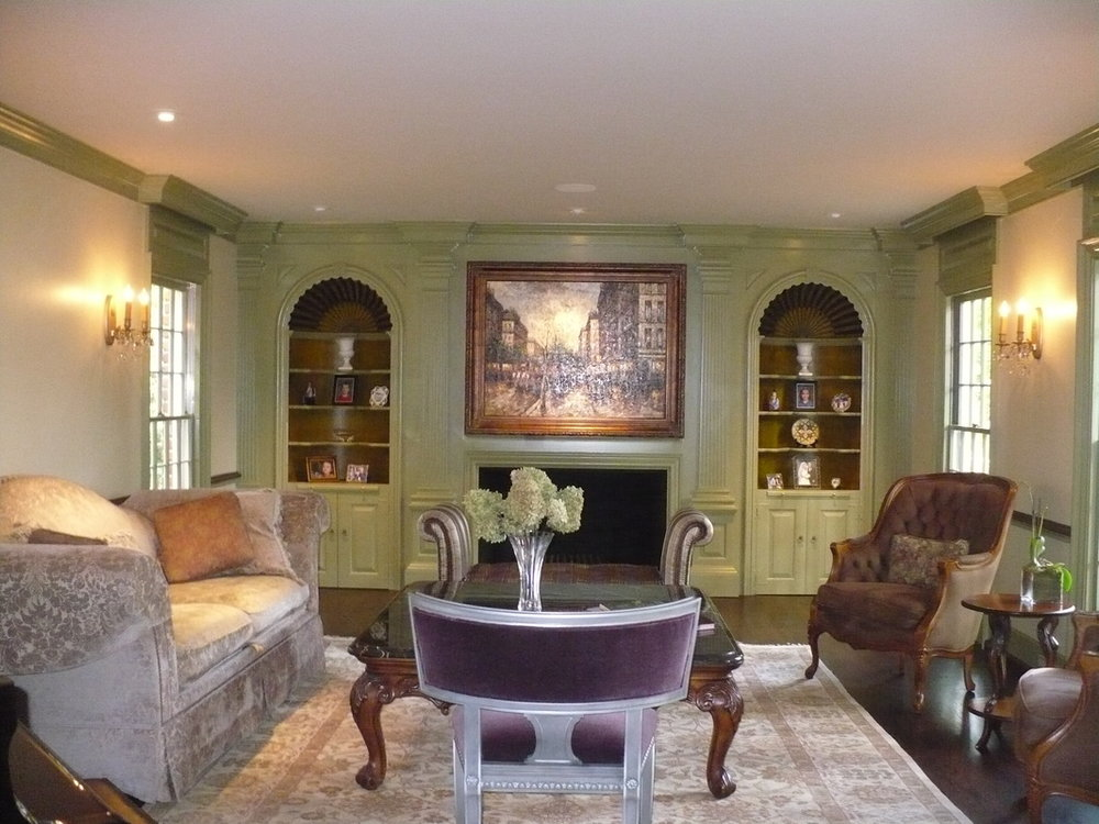 Bloomfield Hills Renovation and Expansion - Complete interior renovation and expansion including new kitchen and lower level family living and art center. complete finish selections for Interior and exterior and furniture selection. (7,200 sq. ft.)