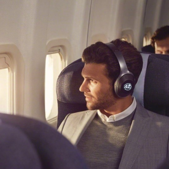 Silence is golden... Especially on a flight 🛩 🎧 #headphones