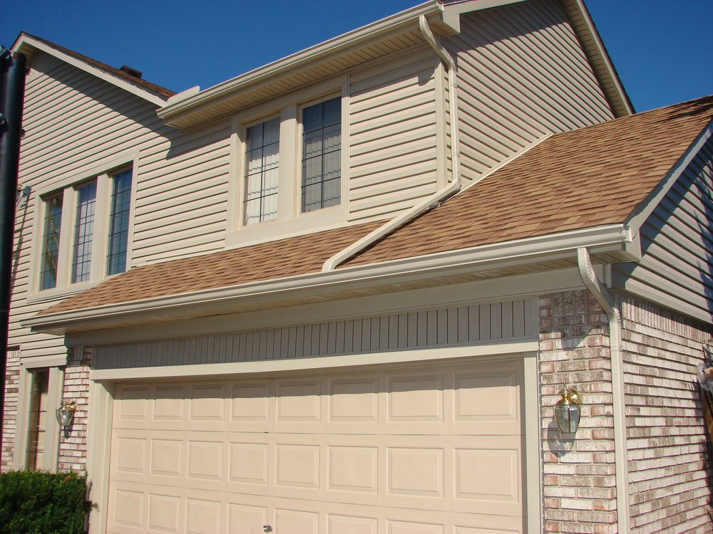 Front garage and siding.jpg