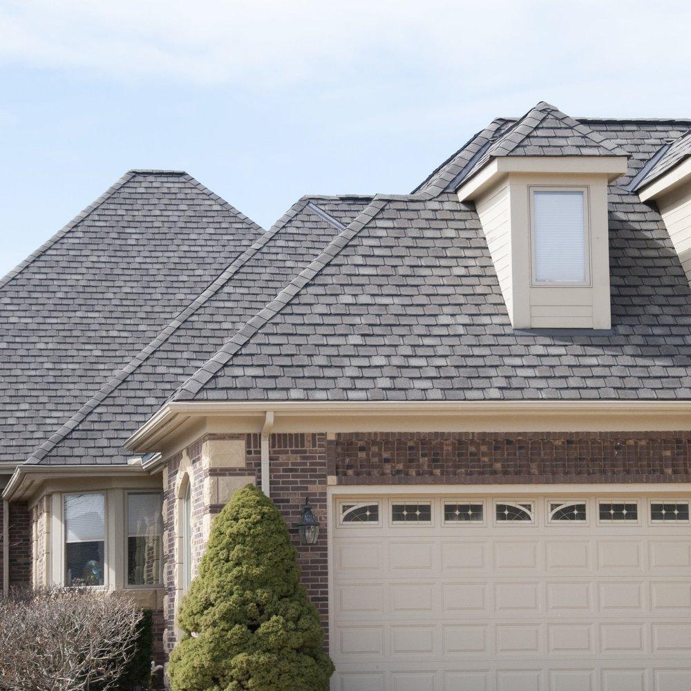 multi angled roof with garage door 2 closer.jpg