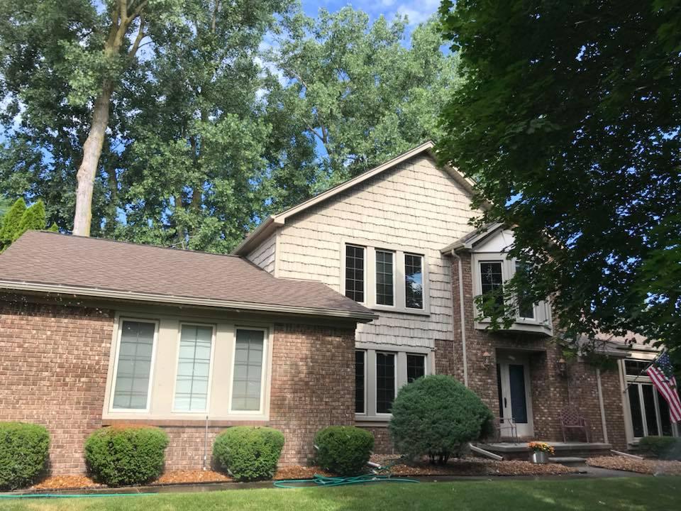 Roof (shake siding) livonia Laurel Prince.jpg