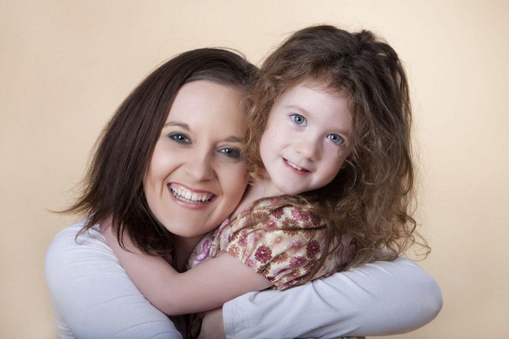 lansingmichiganphotographersmommyandmephotographyyounggirlmotherdaughter