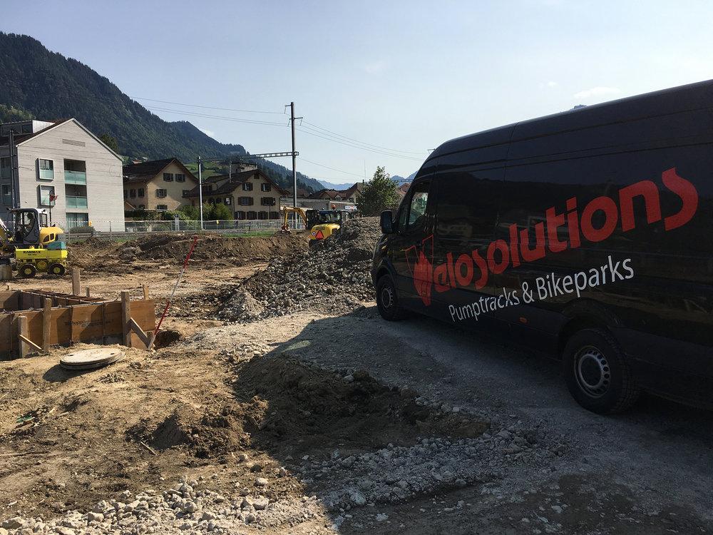 Die Firma Velosolutions leitet die Bauarbeiten des Pumptracks