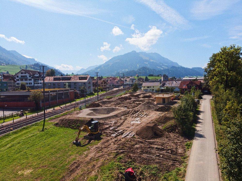 Der Rollsportpark integriert sich wunderbar ins Gesamtbild des Dorfes