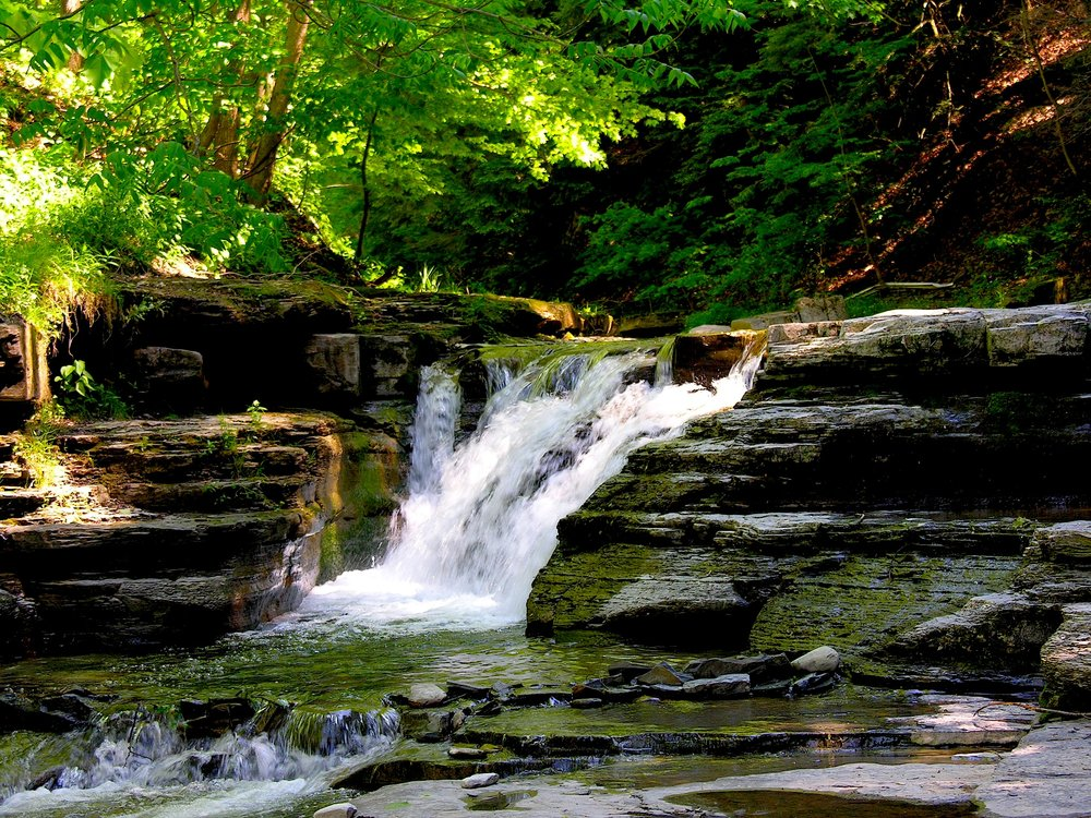 Stony_Brook_State_Park_waterfalls.jpg