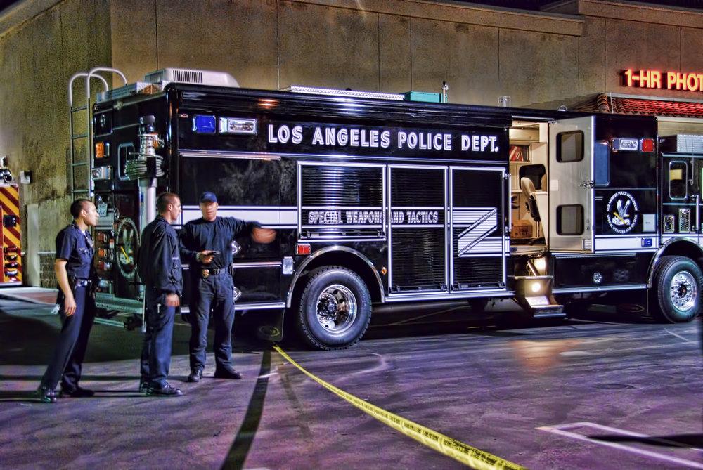 LAPD_SWAT_Truck_Hostage.jpg