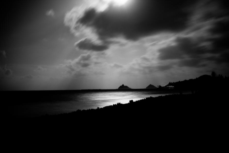 HawaiianMoonlightBW900.jpg