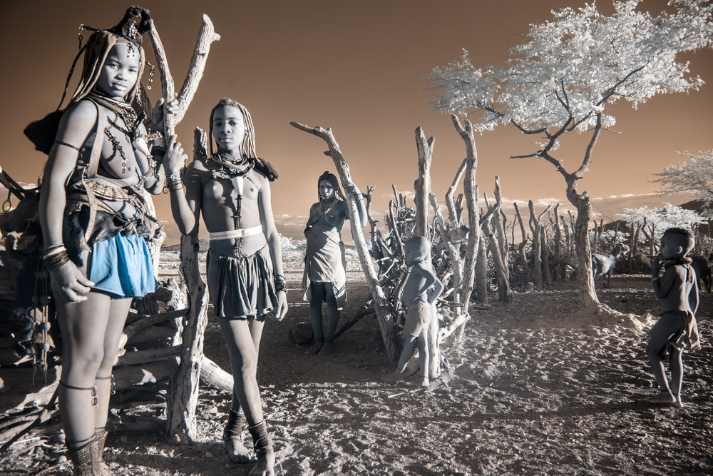 Namibia_dunes_etosha_san_red-1536.jpg