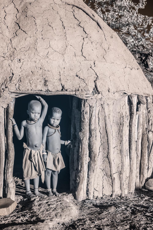 Namibia_dunes_etosha_san_red-2055.jpg