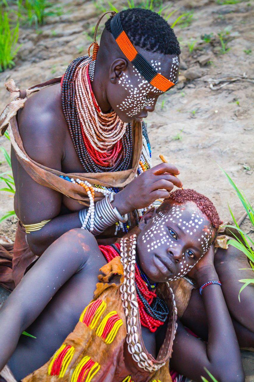 Color It Red -12 Hamar Girls makeup_Ethiopia_TGold.jpg