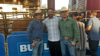 Vinny Castilla took in a night of PBR in Glendale, Az., and before the event he met and chatted with bull riders Juan Contreras of Mexico (left), and Alejandro Calvo of Costa Rica, a former professional soccer player in his home land.