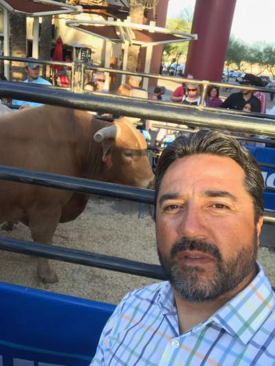 Vinny also got a peek at Beaver Creek, one of the eliminator bulls, which will be taking on one of the bull riders during the second night of action at Gila River Arena on Saturday night.
